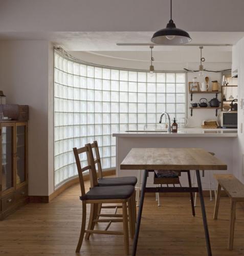 ガラスブロックのキッチン